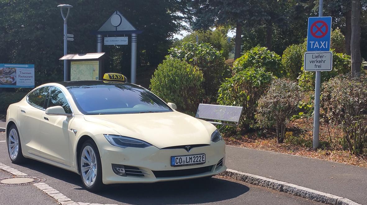 Taxi Olm Bad Rodach - Tesla
